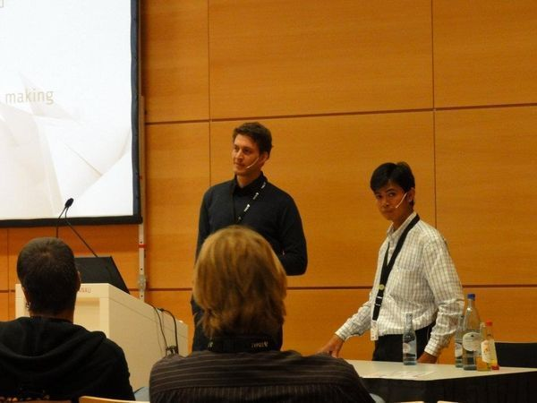 Dominik Stankowski during his talk on Agile Estimating at the T3CON11 in Frankfurt.