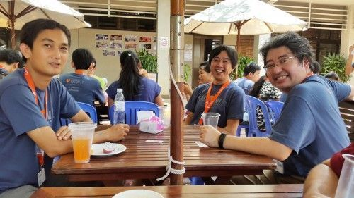 Agile coach Kiro Harada with Web Essentials' QA Manager Visay Keo during breaktime at T3CON15 Asia.